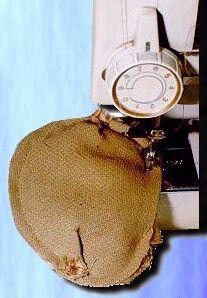 couture et assemblage des pieces du nounours